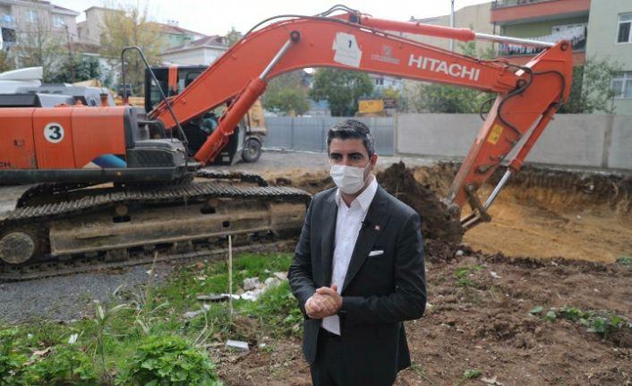 Kartal'da Kültür Merkezi ve Aşevi Projesi İçin İlk Kazma Vuruldu