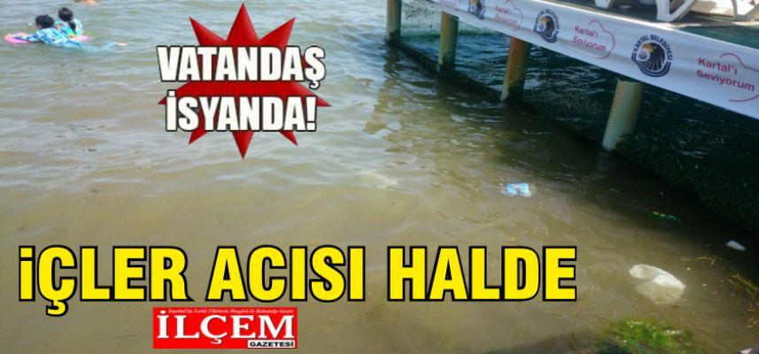 Kartal Belediyesi Büyükada Sosyal Tesisi plajı pislik ve çamur içinde.