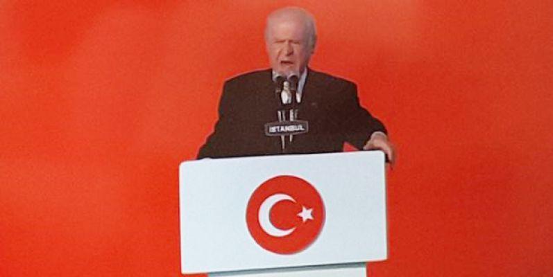 Taner Özdemir kendisini meclis üyesi yapanları gururlandırdı.