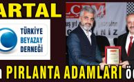 Beyazay Derneği Kartal Şube Başkanlığına Pırlanta Adamlar ödülü