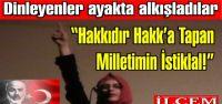 Rümeysa Öztürk İstiklal Marşını okudu, ayakta alkışlandı
