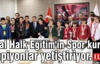 Kartal Halk Eğitim'in Spor kursları şampiyonlar...