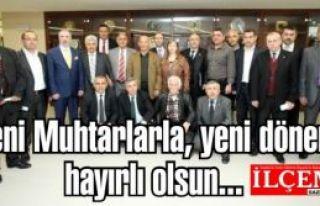 Kartal'ın Yeni seçilen muhtarları belediye başkanıyla...