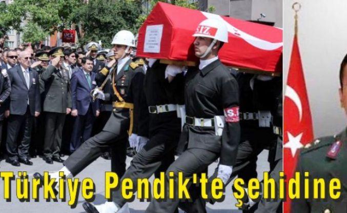 Türkiye Pendik'te şehidine ağladı.