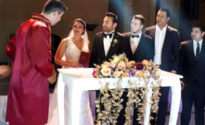 Karaman ailesinden muhteşem düğün...