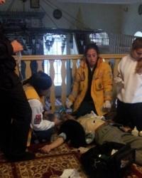 Kartal Merkez camiinde kalp krizi geçiren vatandaşa acil yardım