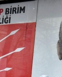 CHP Kartal  Topselvi Mahalle birim temsilciliğine gece ses bombası attılar!