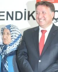 İsmail Kabakçı Pendik Chp'ye davullu zurnalı aday adaylık başvurusu yaptı.